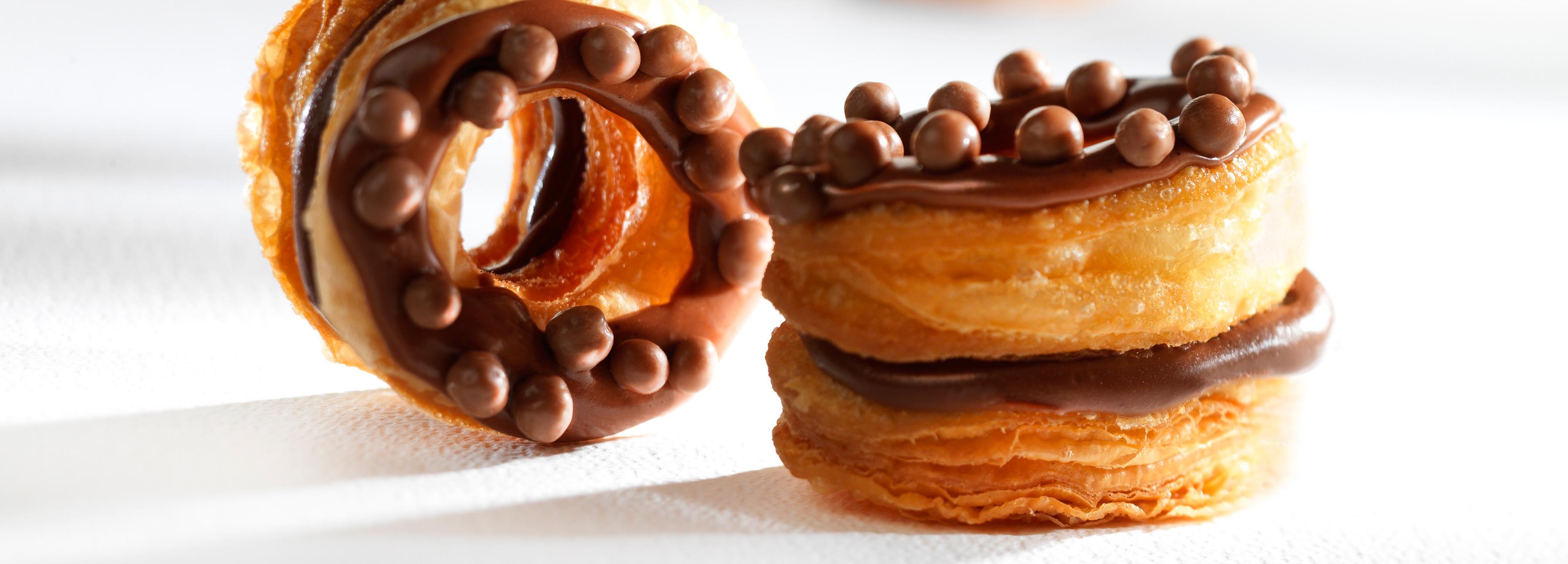 CHOCRO-DONUT™ с шоколадным кремом